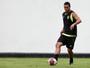 Jair troca de Emerson na zaga, e novo Botafogo começa a ganhar forma