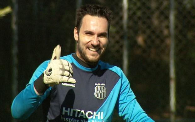 Roberto, goleiro da Ponte Preta (Foto: Carlos Velardi/ EPTV)