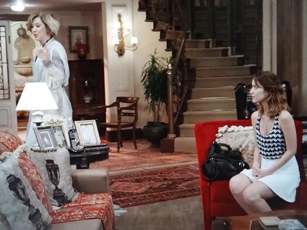 Laura conversa sobre Caíque com Samantha (Foto: TV Globo)