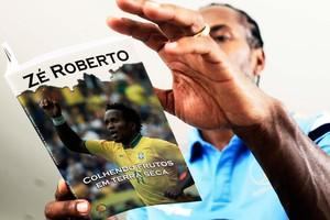 Zé Roberto Entrevista em sua casa são paulo (Foto: Marcos Ribolli)