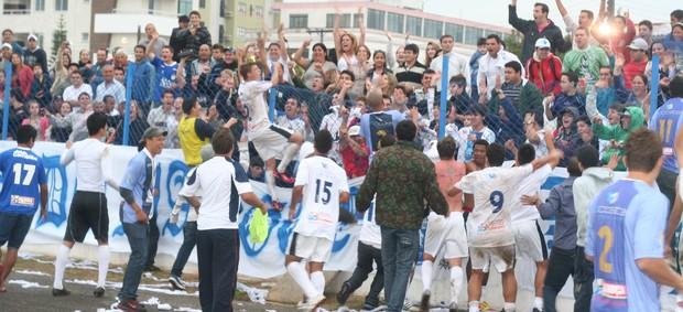 Jogadores do Guarani comemora gol sobre o Atlético Tubarão (Foto: Renato Pires, Divulgação / Guarani de Palhoça)