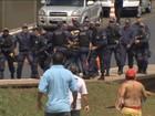 Manifestantes de dois protestos diferentes se enfrentam em Brasília