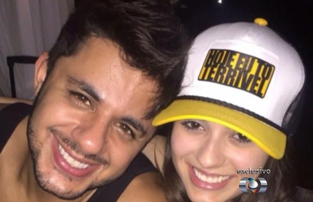 Cristiano Araújo e Allana Moraes morreram em acidente na BR-153, em Goiás (Foto: Reprodução/TV Anhanguera)