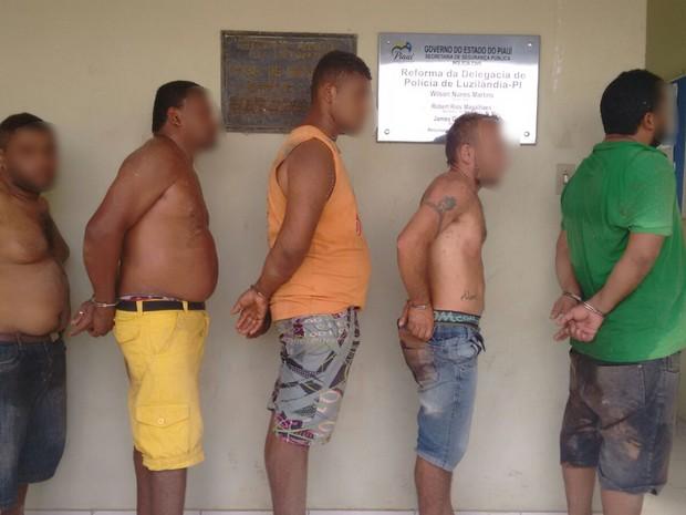 Quadrilha foi presa em uma fazenda na zona rural de Madeiro (Foto: Divulgação/Polícia Civil)