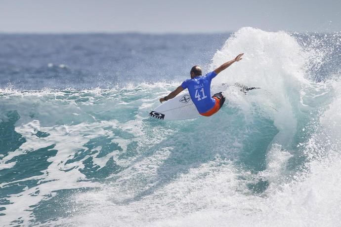 Caio Ibelli desbancou australianos para avançar até a 4ª fase da etapa de Gold Coast (Foto: WSL)