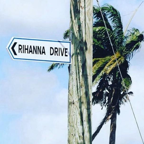 Rihanna ganha rua com seu nome (Foto: Instagram/Reprodução)