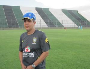Técnico Émerson Ávila durante treino em San Juan (Foto: Marcelo Baltar/Globoesporte.com)