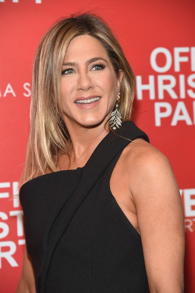 Jennifer Aniston em première de filme em Nova York, nos Estados Unidos (Foto: Jamie McCarthy/ Getty Images/ AFP)