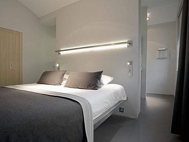 Quarto do Het Arresthuis, hotel que fica dentro de uma antiga prisão na Holanda (Foto: Divulgação/Het Arresthuis)