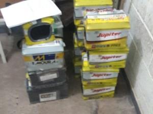 Baterias roubadas Uberaba (Foto: Polícia Civil/Divulgação)