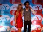 Veja os looks dos famosos em noite de premiação da música brasileira