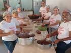 Famílias carentes ganham doces feitos por voluntários em Formiga