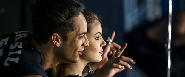 Verdades Secretas trata do submundo da moda e traz o drama de Angel (Camila Queiroz) ao se envolver em um triângulo amoroso com a própria mãe (Foto: Divulgação/ Globo)