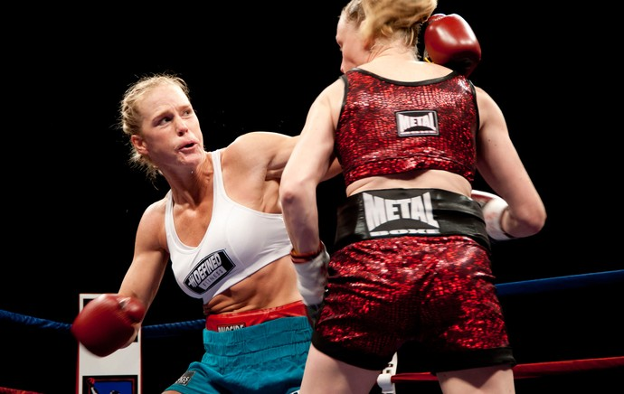 Boxe Holly Holm e Anne Sophie Mathi (Foto: Agência Getty Images)