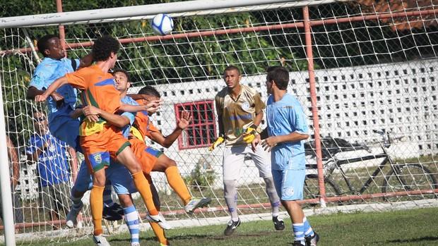 Defesa do Confiança, que estava invicta, levou 3 gols (Foto: Fillipe Araújo/Divulgação-ADC)