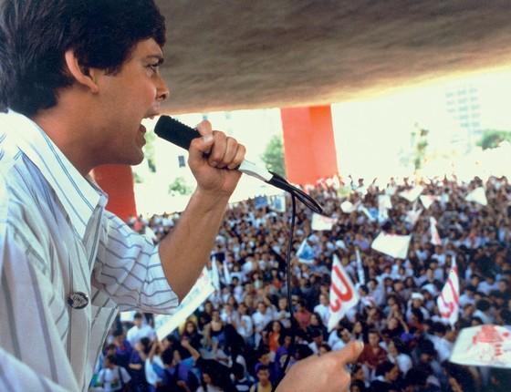 Lindbergh farias ao pedir o impeachment de Collor em 1992 (Foto:  MAURILO CLARETO/ESTADÃO)