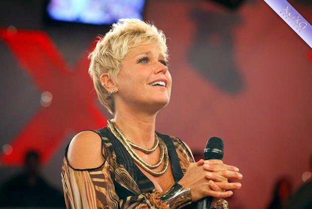 Depoimento de amigos e famosos emocionam Xuxa (Foto: TV Xuxa/ TV Globo)