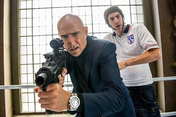 Mark Strong e Sacha Baron Cohen Irmão de Espião (Foto: Divulgação)