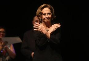 Laura Cardoso em prêmio em São Paulo (Foto: Iwi Onodera/ EGO)