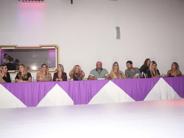 Jurados do Miss Bumbum 2015 em São Paulo (Foto: Iwi Onodera/ EGO)