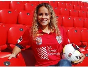 Mônica acerta com o Adelaide United, da Austrália
