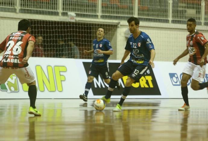 Eka Joinville Guarapuava Liga Nacional de Futsal (Foto: Fabrizio Motta/Divulgação)