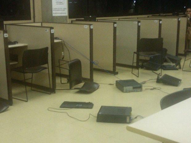 Funcionário destruiu diversos computadores de universidade (Foto: G1)