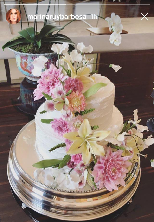 Marina Ruy Barbosa compartilhou também a imagem de seu bolo de casamento (Foto: reprodução/instagram)