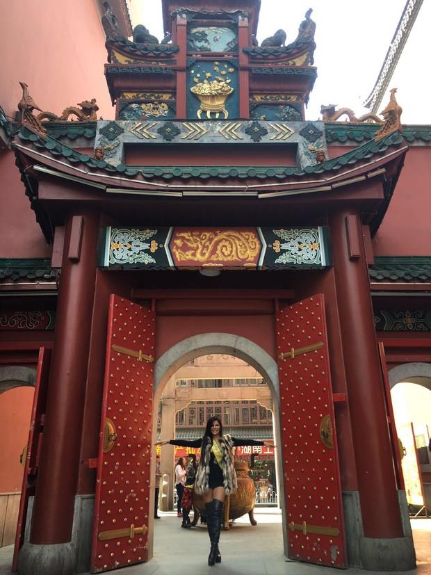 Suzy Cortez na China (Foto: Reprodução/ Instagram)