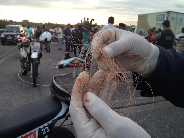 Socorrista encontrou linha envolvida no pescoço da vítima (Foto: Walter Paparazzo/G1)