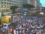 Recife - 17h45: Passeata fecha vias no Centro da Capital
