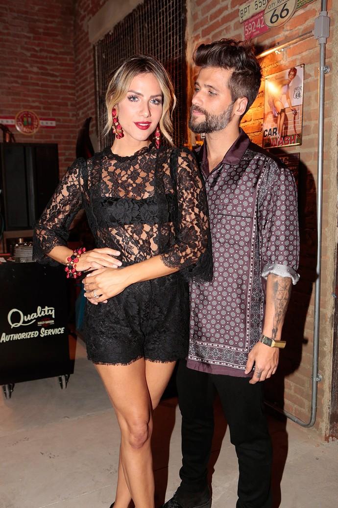 Giovanna Ewbank e Bruno Gagliasso posam juntos em coletiva de 'Sol Nascente' (Foto: Gshow/Felipe Monteiro)