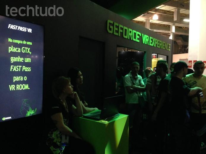 Fila para jogar com o Oculus Rift (Foto: Cassio Barbosa/TechTudo)