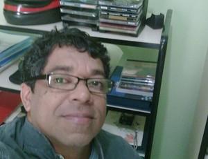 Jornalista e produtor cultural Tim Filho, de 49 anos, é torcedor fanático da Pantera (Foto: Arquivo Pessoal)