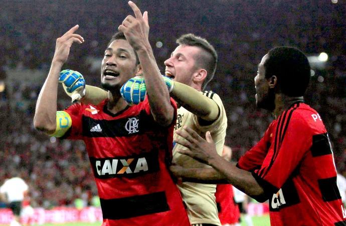 Hernane gol Flamengo final Copa do Brasil jogo Atlético-PR (Foto: Reuters)