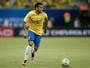 Daniel Alves agradece o carinho dos torcedores com a Seleção em Manaus
