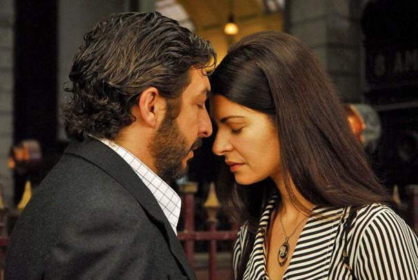 Ricardo Darín e Soledad Villamil em cena de 'O Segredo dos seus Olhos', que a Globo exibe na sexta, dia 4 de abril (Foto: Divulgação)