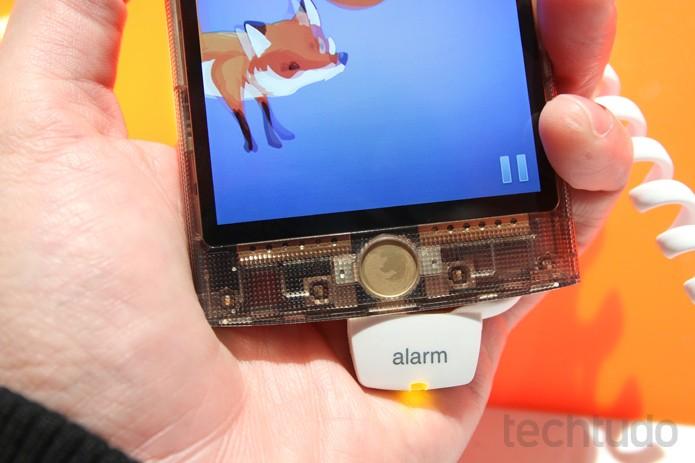 Smartphone com Firefox OS, aposta da Mozilla por celulares mais seguros no MWC 2015 (Foto: Fabricio Vitorino / TechTudo)