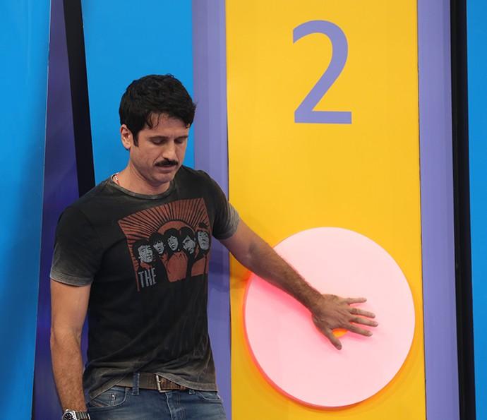Eriberto Leão se concentrou muito nas notas musicais do Ding Dong (Foto: Carol Caminha / Gshow)