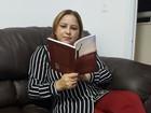 No AP, escritora vai lançar livro sobre experiências com revelações divinas