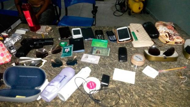 Material apreendido foi levado para a Delegacia de Plantão da Zona Norte de Natal (Foto: Divulgação/Polícia Militar do RN)