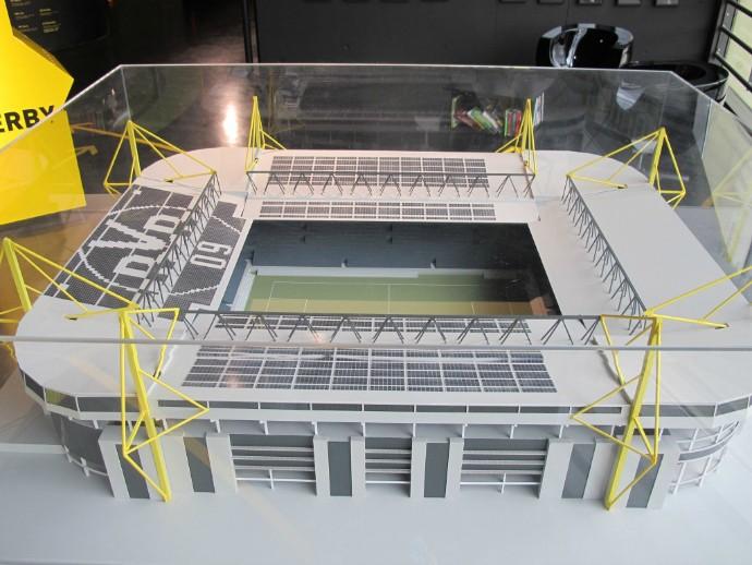 Maquete do Signal Iduna Park