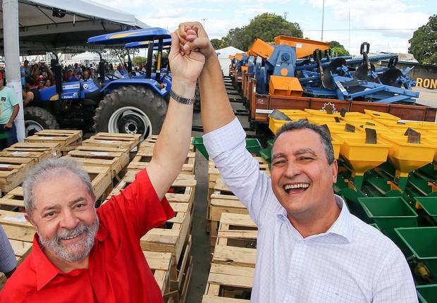 Rui Costa, governador da Bahia e Lula em cerimônia que ex-presidente recebeu o título de cidadão juazeirense (Foto: Ricardo Stuckert/ Instituto Lula)