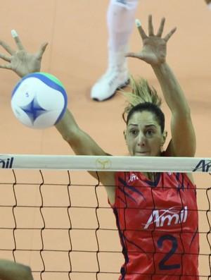 Carol Gattaz central Campinas vôlei feminino (Foto: Felipe Christ / Amil)