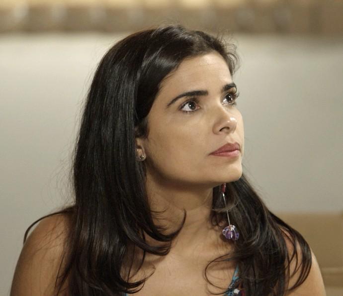 Tóia fica surpresa com o que diz Romero (Foto: TV Globo)