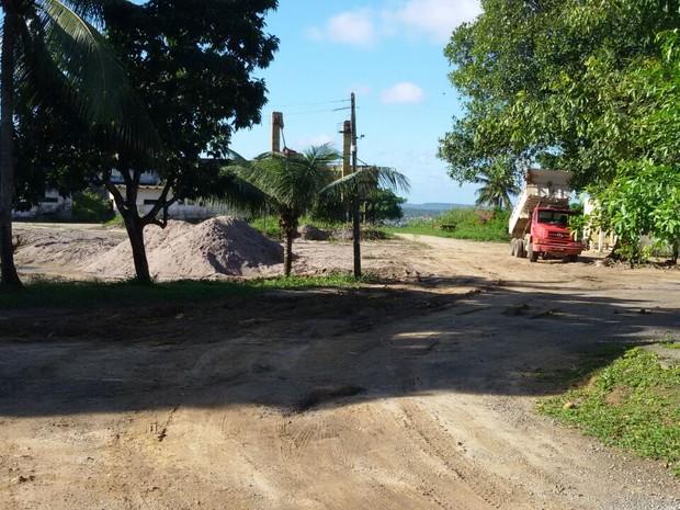 Acidente aconteceu na Estrada do Monjope, no município de Igarassu (Foto: Danilo Tenório/TV Globo)