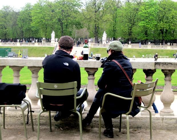 Casal faz piquenique em Paris (Foto: Oh Paris/Creative Commons)