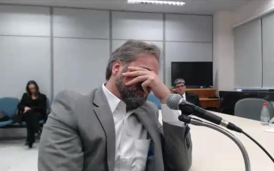 O ex-gerente da área internacional da Petrobrás Pedro Augusto Bastos em audiência com o juiz Sergio Moro (Foto: Reprodução)