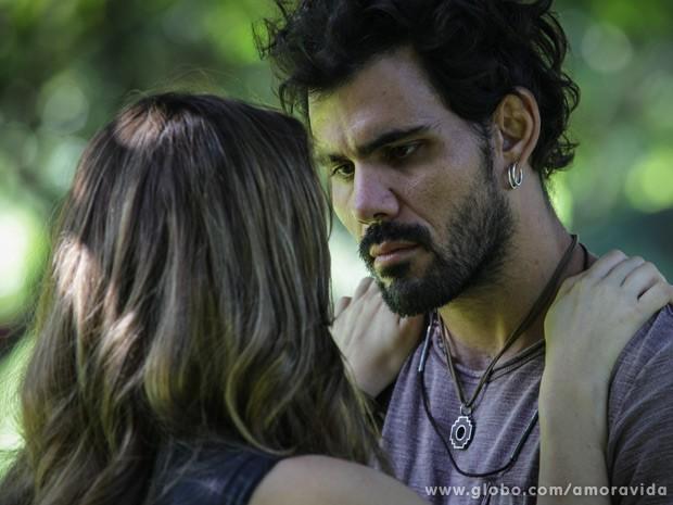 Paloma termina tudo com Ninho e o deixa totalmente arrasado (Foto: Amor à Vida / TV Globo)