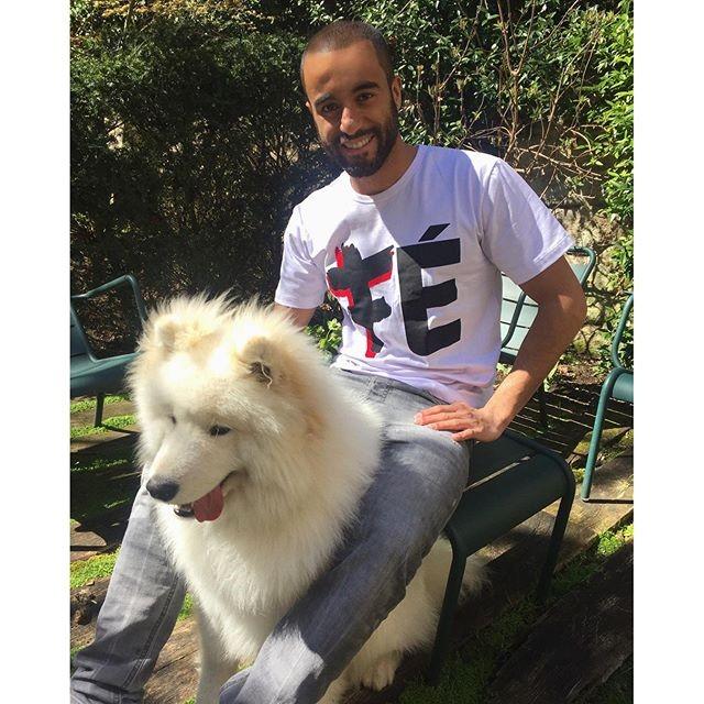 BLOG: Um dia após garantir vitória do PSG, Lucas curte domingo ao lado do cão